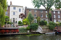 Homes along Regent Canal Bewteen Camden Town and Regents Park - London UK