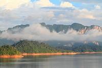 Khao_Sok, the popular national park of Thailand