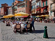 Restaurants along waterfront, Villefranche, Alpes_Maritimes, Provence_Alpes_Cote d´Azur, French Riviera, France, Europe