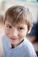 Portrait of happy young school boy 6-7 (thumbnail)