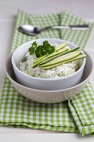 Cream cheese courgette dip