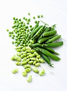 Fresh peas and fresh broad beans