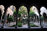 Gothic cloister. Inmaculada Concepción y Asunción de Nuestra Señora parish. XV-XVI century AD. 70, Roger de Lluria street. Barcelona. Catalonia. Spain...