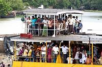 Ferry boat on Ganges River, between Farakka and Rajmahal, Bihar, India / Fähre auf dem Ganges, zwischen Farakka und Rajmahal, Bihar, Indien