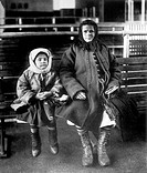 Emigrant Mother and Daughter, Ellis Island, New York, USA, Circa 1902