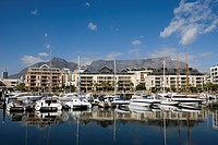 South Africa, Cape Town, marina with Table Mountain in background