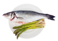 sea bass with asparagus