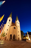Town hall, historic district of Beilngries at night, Beilngries, Altmuehltal valley, Bavaria, Germany, Europe