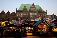 People at the christmas market at the inner city, Bremen, Germany, Europe
