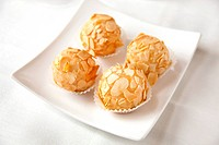 Sweet egg yolk and almond balls