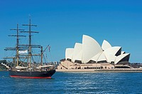 Sydney Opera House and the Bounty ship, Sydney, New South Wales, Australia, Pacific