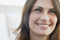 Close_up of smiling mid_adult woman