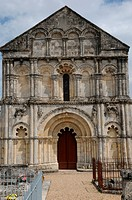 church of Petit Palais et Cornemps in Gironde