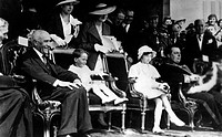 Baudouin I, 7.9.1930 _ 31.7.1993, King of the Belgians 17.7.1951 _ 31.7.1993, with his sister Josephine Charlotte, chairmanship at the Day of the Belg...