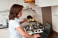 Bussy woman _ work at home