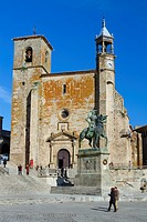 Equestrian statue of Francisco Pizarro in front of St  Martin church 14th-16th century in Main Square of Trujillo  Cáceres  Extremadura  Spain