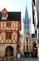 Tonw of France, Burgundy, cote d'or, Dijon, old houses, ambiance, back of church Notre-Dame