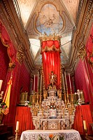 INTERIOR OF THE SAINT_MICHEL ARCHANGE BASILICA WITH ITS RED WALL HANGINGS, MENTON, ALPES_MARITIMES 06, FRANCE