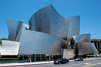 EXTERIOR OF THE WALT DISNEY CONCERT HALL BUILT BY THE AMERICAN ARCHITECT FRANK GEHRY, DOWNTOWN, LOS ANGELES, CALIFORNIA, UNITED STATES, USA