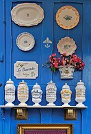 EXHIBITION OF PAINTED CERAMIC WARE IN THE TOWN OF MOUSTIERS SAINTE_MARIE, GORGES OF THE VERDON, ALPES DE HAUTE_PROVENCE 04, FRANCE