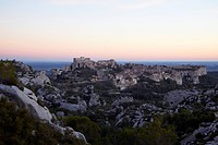 Les Baux_de_Provence in the Alpilles in autumnal evening light, Provence, France