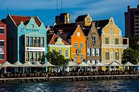 The Dutch houses at the Sint Annabaai in Willemstad, UNESCO World Heritage Site, Curacao, ABC Islands, Netherlands Antilles, Caribbean, Central Americ...