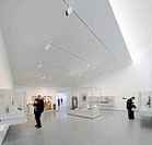 The Hepworth Wakefield, Margate, United Kingdom. Architect: David Chipperfield Architects Ltd, 2011. Trapezoidal gallery interior with rooflight.