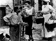 American actor Sidney Poitier talking to American actress and singer Dorothy Jean Dandridge in Porgy and Bess. American actress and singer Pearl Baile...