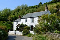 a traditional cottage in the village of portloe in cornwall, england, uk