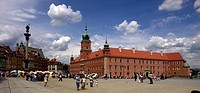 Poland, Warsaw, Monument of King Sigismund III and Royal Castle,