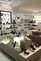 women´s shoe store