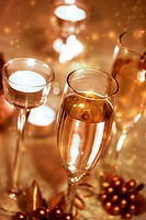 Sparkling Champagne Glasses (celebration)