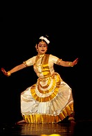 Mohiniattam ;  woman performing classical dance of india MR.697