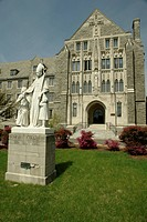 Villanova, PA, Pennsylvania, Villanova University, St. Thomas of Villanova Church, St. Thomas statue