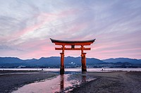 View of the grand floating Torii, Itsukushima sanctuary, Miyajima, Japan, Asia.