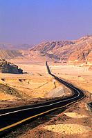 EGYPT, SINAI PENINSULA, NEAR NUWEIBA, DESERT HIGHWAY.