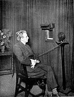 John Logie Baird (1888-1946), Scottish electrical engineer and pioneer of television, 1920s. Baird giving an early television ('Seeing by wireless') d...