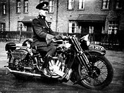 1931 Brough Superior SS80 de luxe, (c1931?). Brough's Nottingham-built machines were advertised as being the 'Rolls-Royce' of motorcycles. Expensive a...