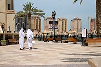 Qatar - Doha - The Pearl - Porto Arabia - Qatari walking on La Croisette
