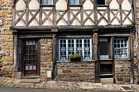 Ernest Renan street, Old town, Treguier, Cotes-d´Armor department, Region of Brittany, France, Europe.