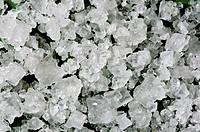 crystals of coarse seasalt