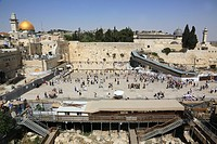 The Western Wall (Wailing Wall) with the Dome of the Rock, UNESCO World Heritage Site, Jerusalem, Israel, Middle East