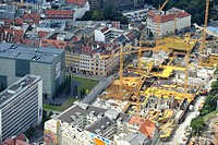 Leipzig 17.08.2011 Blick auf die Baustelle des neuen Shoppingcenters Höfe am Brühl am Richard-Wagner-Platz. Die Eröffnung ist für Herbst 2012 geplant....