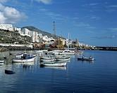 Spanien, La Palma, Kanarische Inseln, E-Santa Cruz de la Palma, Stadtansicht, Hafen, Boote Spain, La Palma, Canary Islands, E-Santa Cruz de la Palma, ...