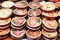 quiches lorraines Food market. Portobello Road, London, England