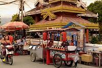 Eine Strassenkueche im Dorf Pai im norden von Thailand in Suedostasien.