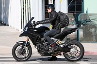Justin Theroux seen leaving a gym in West Hollywood on his motorbike. Featuring: Justin Theroux Where: Los Angeles, California, United States When: 09...