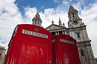british telephone box