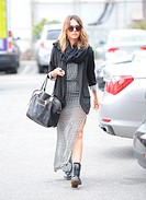 Jessica Alba seen arriving at an office in Los Angeles Featuring: Jessica Alba Where: Los Angeles, California, United States When: 21 May 2014 Credit:...