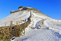 Snow on Pennine Way, Pen-y-ghent, Yorkshire Dales National Park, North Yorkshire England, UK.